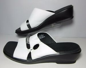 Clarks-Womens-White-Leather-Sandals-Size-8-5-M