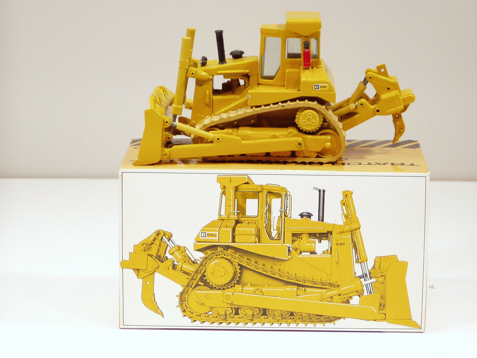 CATERPILLAR D8L Bulldozer-O c - 1 50 - arpra  45