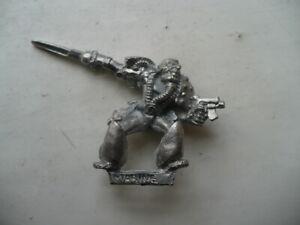 Citadel-Warhammer-40K-Imperial-Space-Marine-Power-Sword-and-Bolt-Pistol-oop