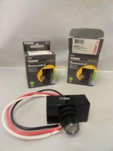 Two-TORK-Photocontrol-302-New-Flush-Mounting-Gasket-amp-Nut-Included-Sensor