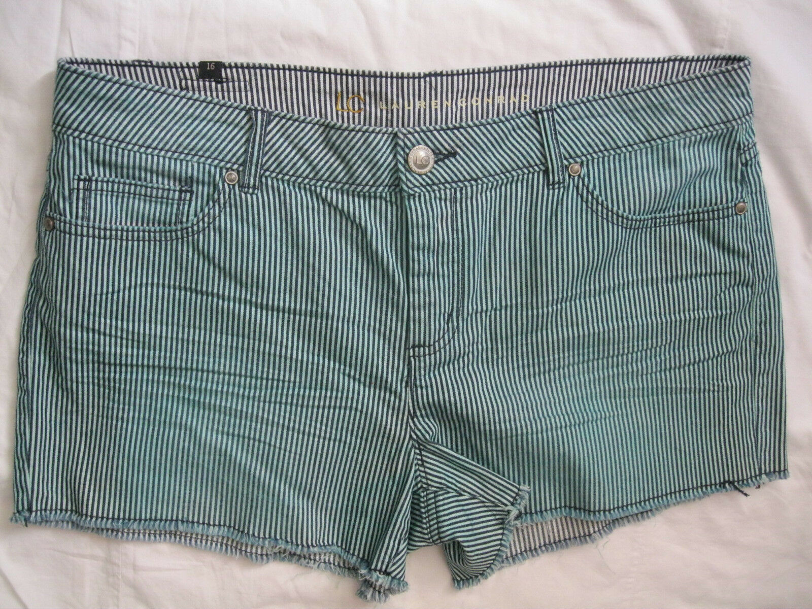 LC LAUREN CONRAD WOMENS SHORT Striped SIZE 16 NWT