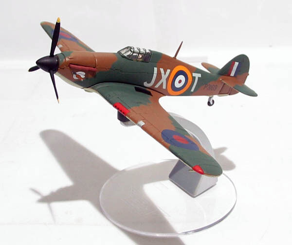 CORGI AA32012, HAWKER HURRICANE MkI, P3109, JX-T, No 1 SQUADRON 1939. 0023 1150