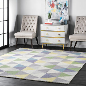nuLOOM-Bianca-Triangles-Area-Rug-in-Green