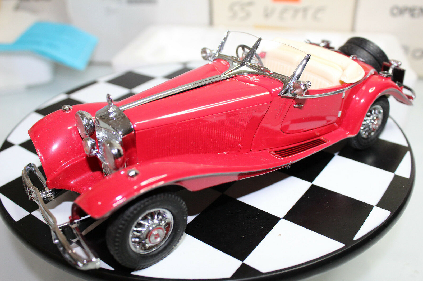 Franklin Mint 1 24 escala 1935 Mercedes-Benz 500K Roadster Especial (rosso)