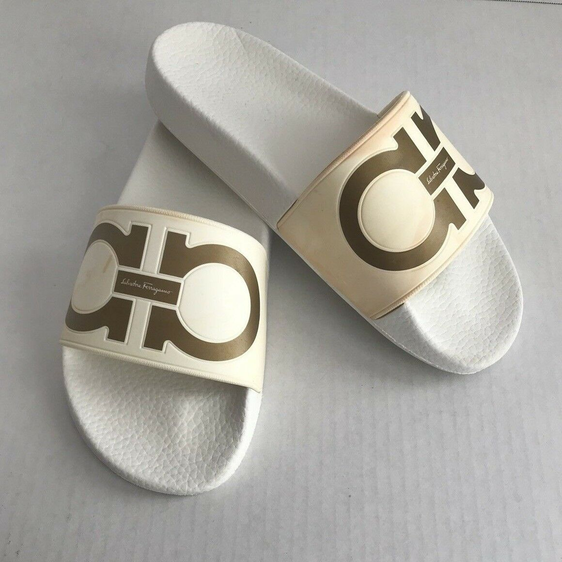 SALVATORE FERRAGAMO Groove Logo Slide Sandals Size 6 White