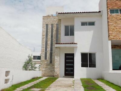 Casa renta condominio Queretaro Corregidora Pedregal Schoenstatt recamara bano completo planta baja