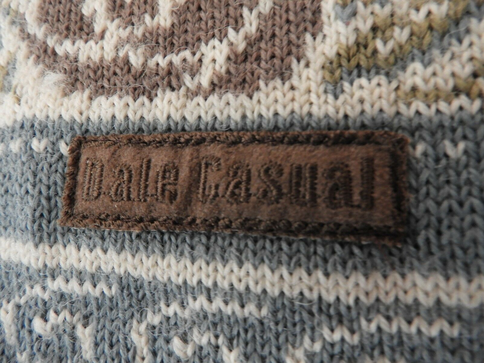 Dale of Norway Handmade Ladies Sweater Button S 100% Wool Casual Button Sweater Down 395ef4