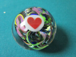 Berting-Glass-CANADA-PAPERWEIGHT-RED-HEART-AND-MULTICOLOR-GLASS-1-3-4-034