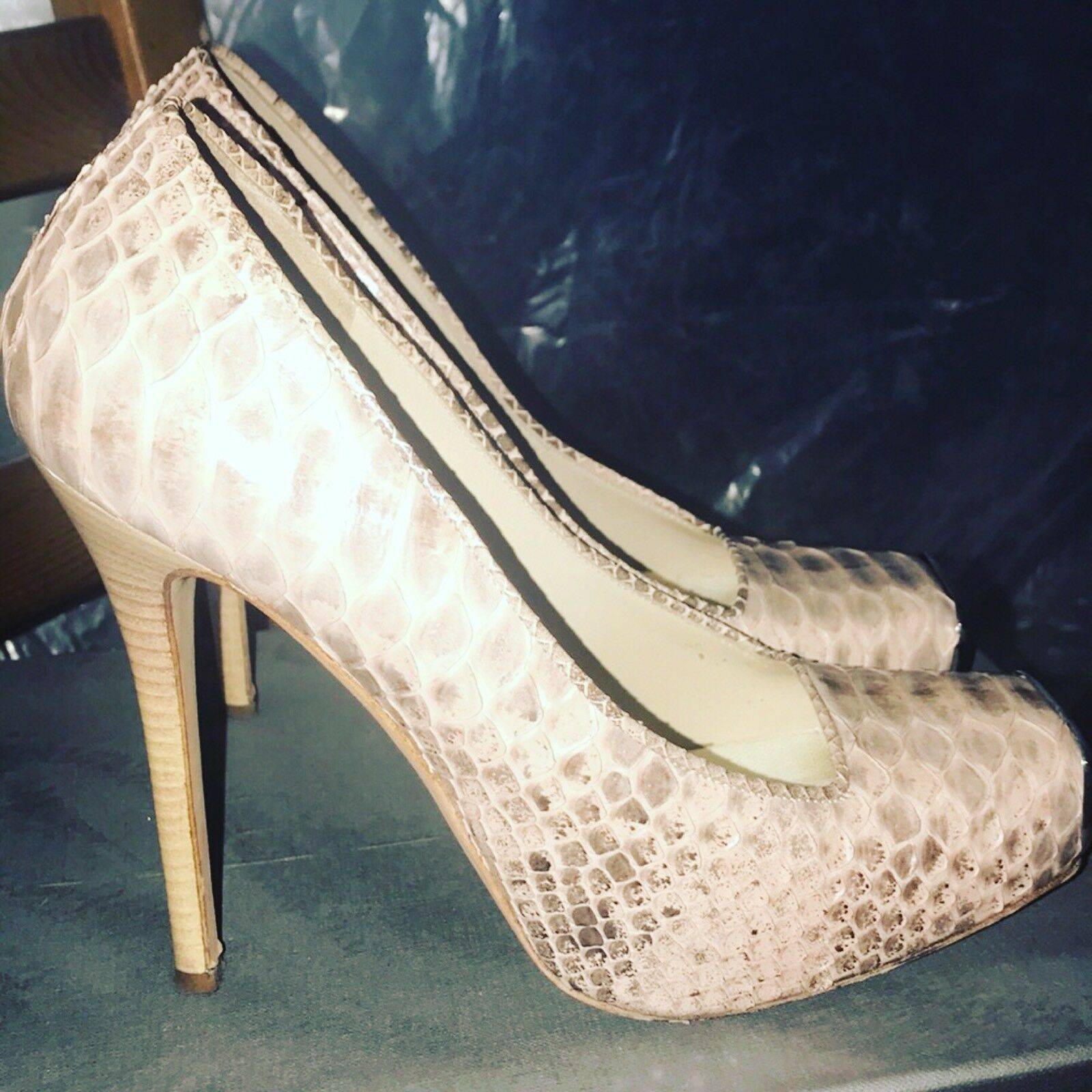 Alexander McQueen Pink Python Skin Platform High Heels Pumps Ret  1695