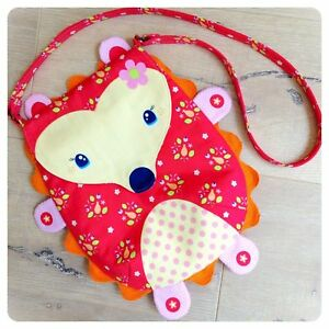 Riley-Blake-Melly-amp-Me-Flower-the-Happy-Hedgehog-Purse-Fabric-Panel-Girls-Red