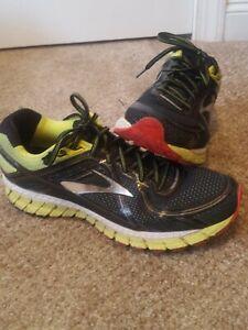 Brooks GTS-16 Mens Running Shoes Black