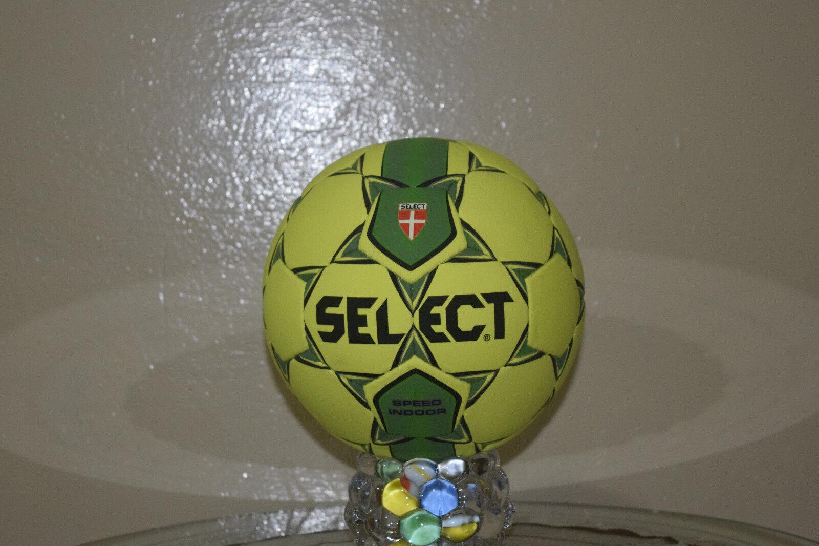 NEW SELECT SPEED INDOOR FOOTBALL