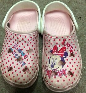 8c515079eb2d3 Girls Crocs size 3 4 Pink Mickey Mouse Cayman Pink Mini Mouse