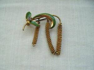 Vintage-Retro-Lindo-Verde-Esmalte-zumbando-o-lambstails-Flor-Broche-Pin