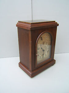 Vintage-Mahogany-large-square-Westminster-chime-mantel-clock-working-M12