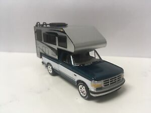1993-93-Ford-F-150-With-Camper-Collectible-1-64-Scale-Diecast-Diorama-Model