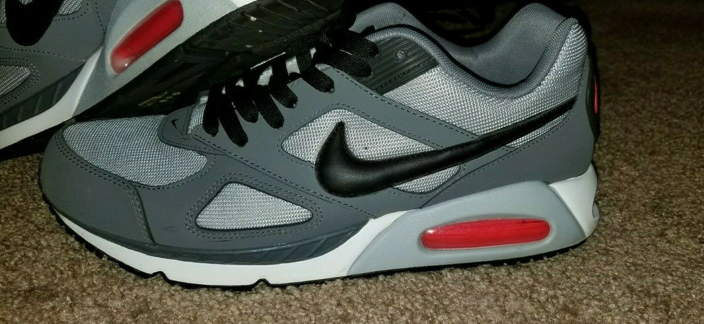 Authentic Perfect Condition Nike Air Max IVO Men's Size 10.5 Grey Black Red