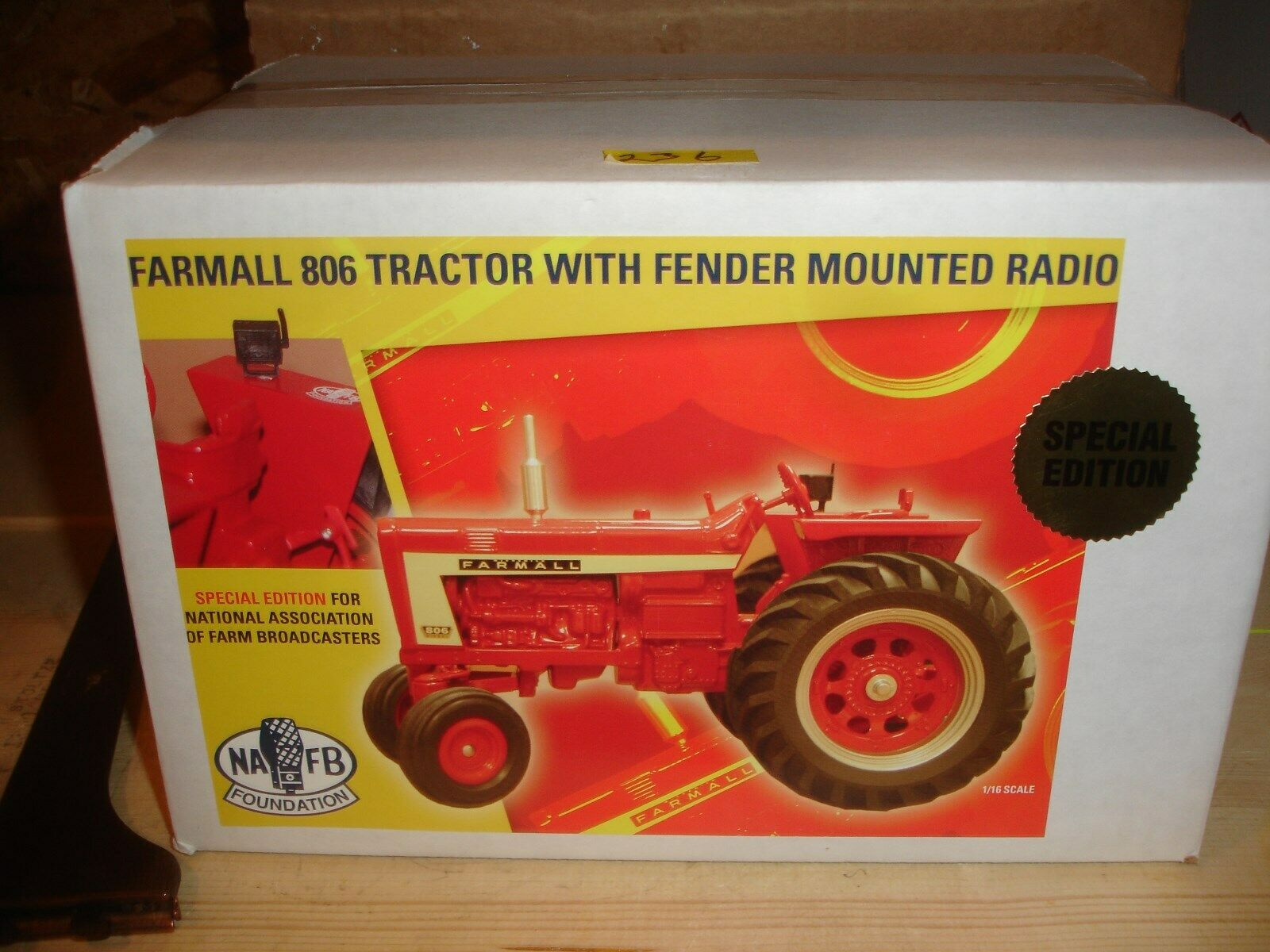 1 16 farmall 806 with radio on fender