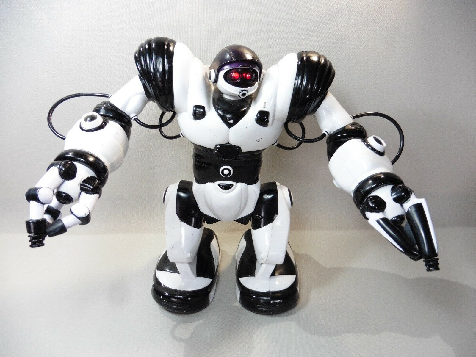 WOWWEE ROBOTSAPIENS 2004   MISSING THE REMOTE CONTROL WORKS IN L' CONDITION