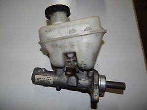 Brake Master Cylinder For 2005 Ford Escape 2.3L 3.0L Rear Disc Standard trans