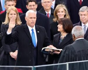 GLOSSY-PHOTO-PICTURE-8x10-Mike-Pence-Swearing