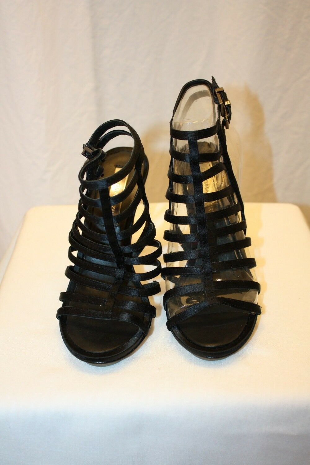 BCBG MAX AZRIA BLACK SATIN STRAPS LEATHER SOLE STORE TRY ON SIZE 5.5B 35.5