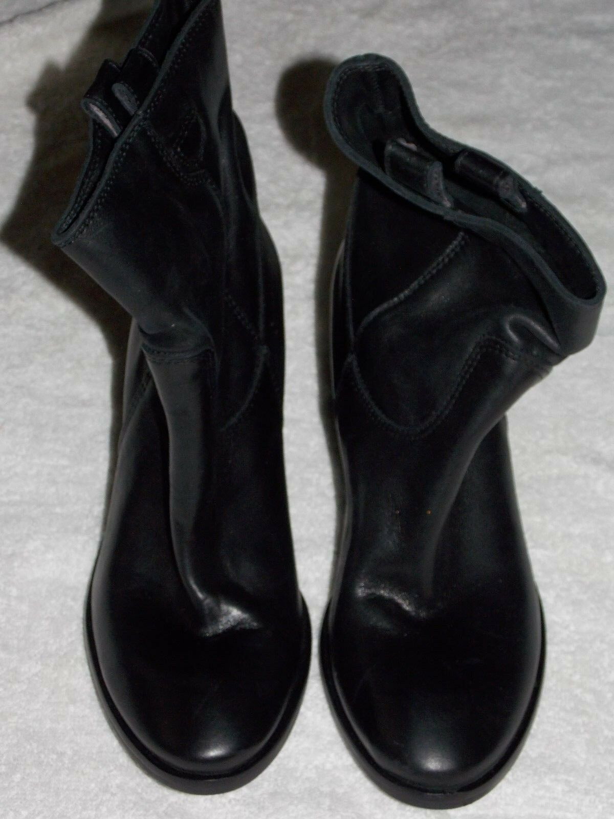 Charles David Slip On Black ANKLE BOOTS 8 For Women Used