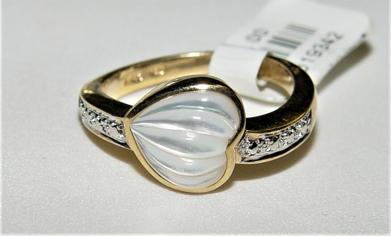 14K gold Mother of Pearl Heart Shape ring S-8.25