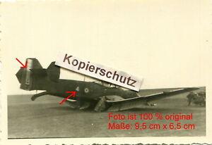 Belgien-Panzer-Rgt-36-4-PD-franzoesisches-Flugzeug-mit-Kennung-bei-Namur