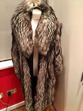 Onorevoli REAL FUR SILVER FOX LUSSO splendido Cappotto size12 / 14
