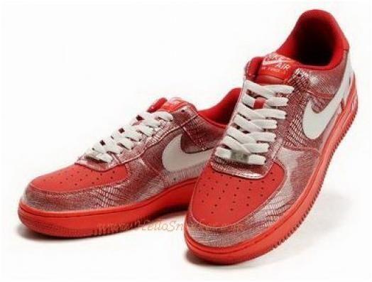 Damenschuhe Nike Air Force One 1 07 US:11 Neu Rot Lack Gr:43 US:11 07 Jordan Oldschool Retro 4e2bf3