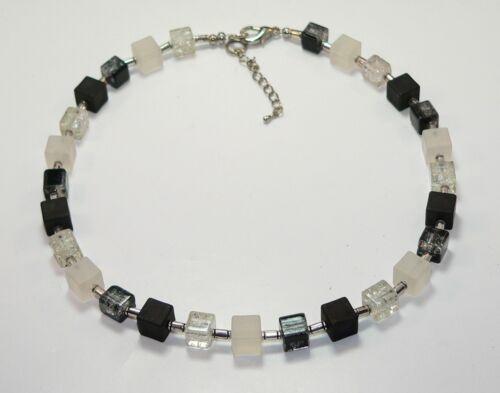 Cubo collar cadena cadena perlas de vidrio de cubo negro blanco plata 266n