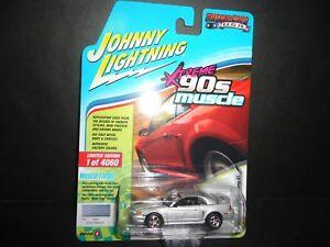 Johnny-Lightning-Ford-Mustang-GT-1999-Silver-JLMC014-1-64