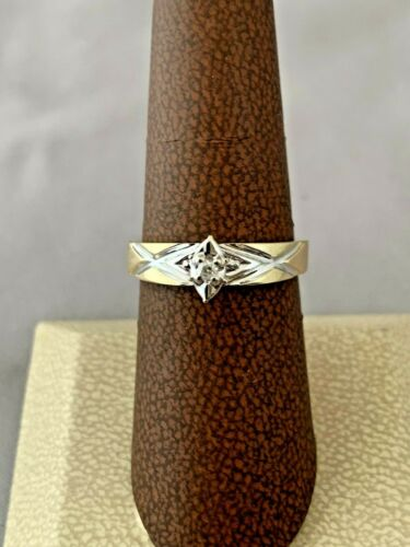10K YELLOW GOLD SOLITAIRE DIAMOND RING