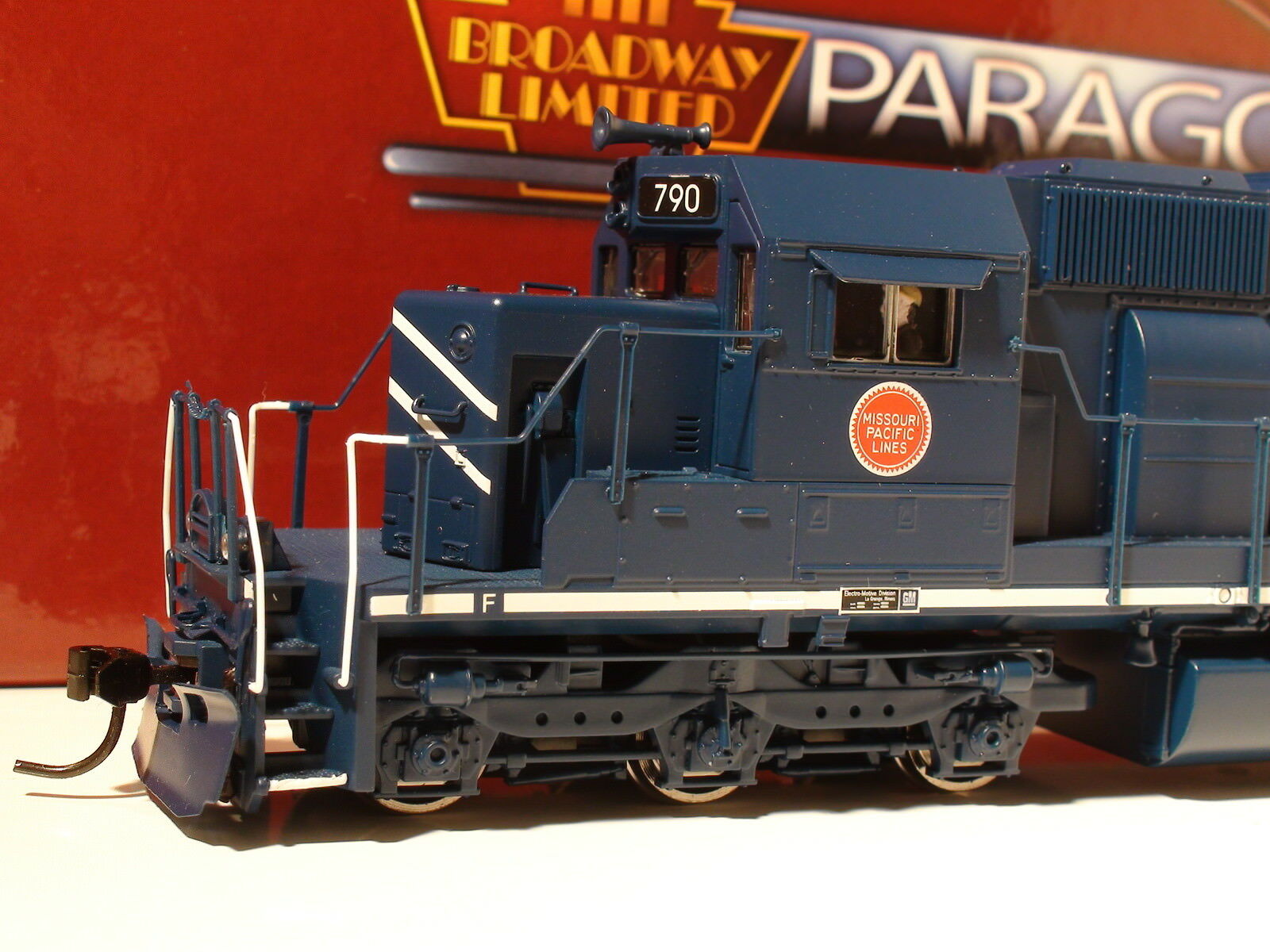 HO BROADWAY LIMITED  2279 EMD SD40-2 MP ROAD  2279 W/PARAGON 2 SOUND/DC/DCC