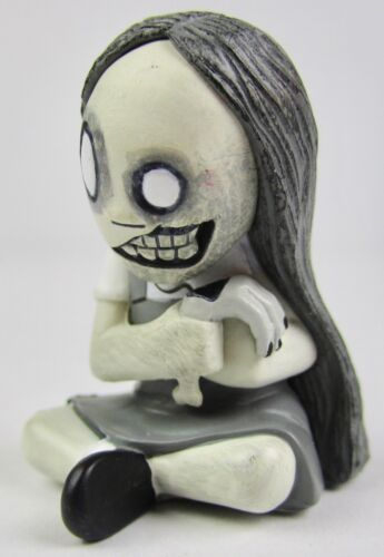 Mezco Toys Living Dead Dolls Dawn 2in Figurine Gray 3//36