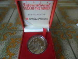 1994-Singapore-International-Year-of-the-Family-5-Silver-Proof-Coin