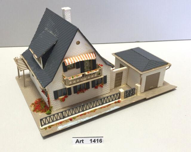 Vollmer 3718 (14530) H0 Wohnhaus mit Garage, Haus fertig geklebt, Maßstab 1:87