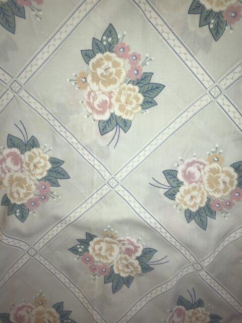 Vintage Pequot Blue Floral Queen Flat Bed Sheet Flowers Bedding Linens