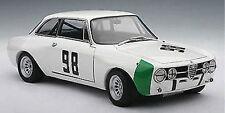 1/18 AUTOART 1970 Alfa Romeo GT AM  MONZA HEZEMANS #98+kostenlose 1/18Vitrine