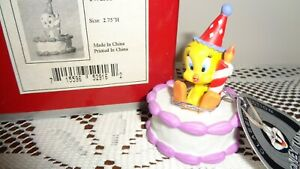 Goebel-1999-Looney-Tunes-Tweety-Bird-Birthday-Tweet-2-75-034-H-Porcelain-NEW-in-BOX