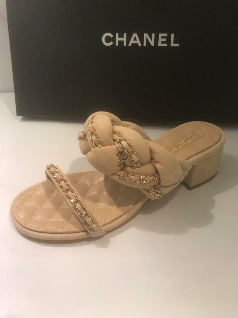 CHANAEL 17P  Braied Suede Chain Strap Quilted Heel Sandals Mule scarpe Beige  995  per il commercio all'ingrosso