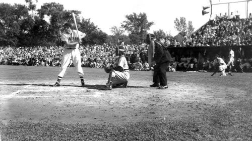A YOUNG TED WILLIAMS RED SOX LEGEND AT BAT photo 7 x 10