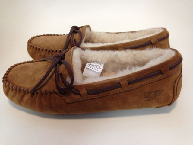 0f43bc78487 UGG Women's Dakota Moccasin Chestnut,7 B(M) US