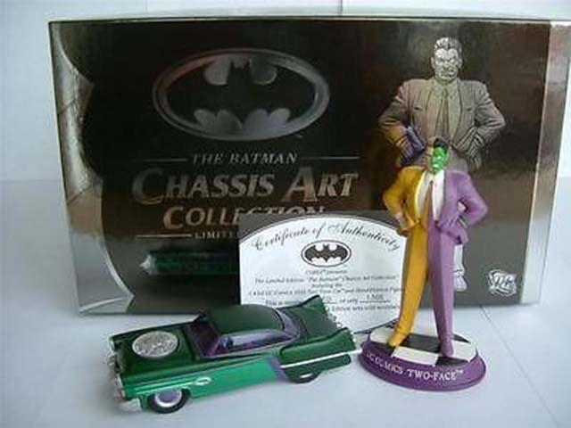 BATMAN BATMOBILE 2 FACE CHASSIS ART 1500 MADE LTD CORGI MODEL CAR DC MINT