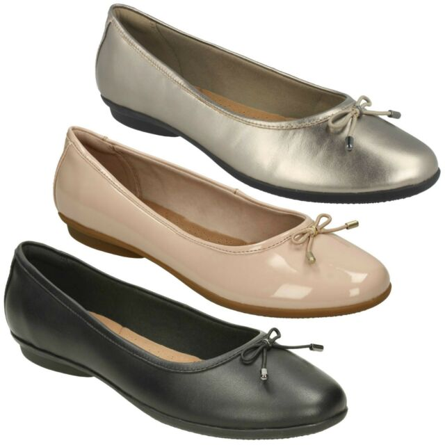 ad183ef02b3 LADIES CLARKS LEATHER SMART CASUAL FLAT BOW FRONT SHOES PUMPS GRACELIN BLU
