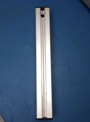 """Bosch Rexroth T-Slot Aluminum Extrusion 30mm x 30mm x 6/"""" Long with End-Caps"""