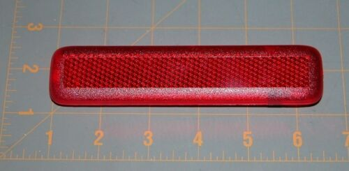 03-06 Silverado SS Driver LH Rear Door Red Reflector NEW GENUINE GM 155