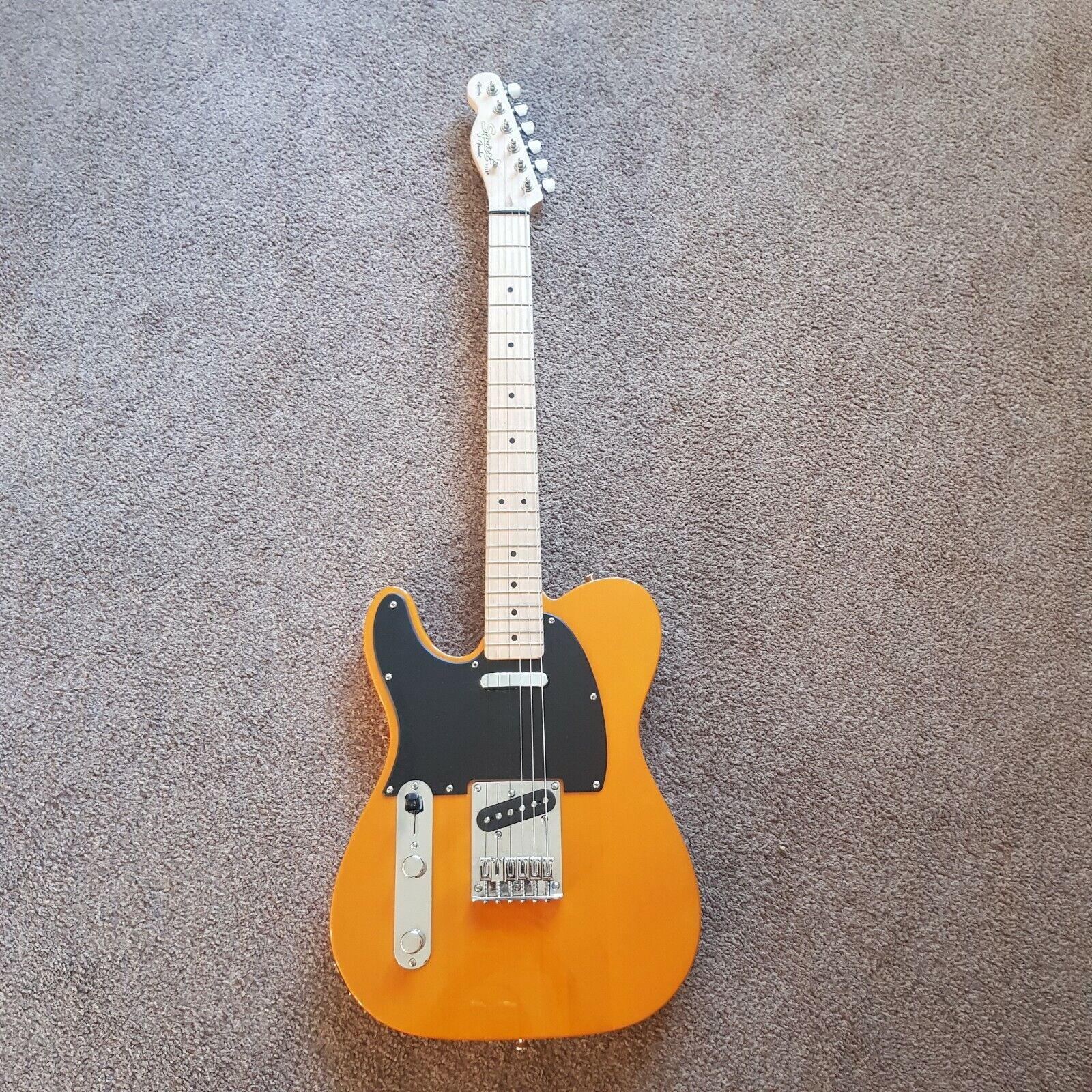 This pre-owned left handed Fender Telecaster guitar is for sale - Left-Handed Fender Squire Telecaster Electric Guitar with amp and strap +