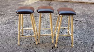 Three-solid-Timber-Bar-Stools-Kitchen-Breakfast-Bench-Stools-Chairs-vinyl-seat